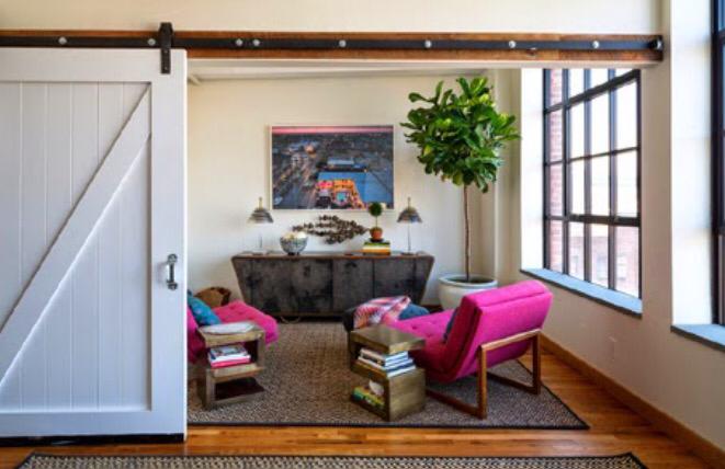 Necesitas puertas correderas 21 ejemplos que te van a for Puerta palets